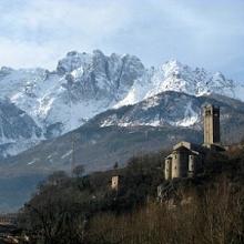 Pieve romanica di San Siro ai piedi della Concarena