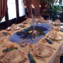 La tavola presidenziale per festeggiare la prima confessione