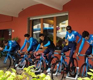 Il Team Movostar che si allena sulla nostra terrazza, con tra glia altri: Carapaz, Landa ed Amador.